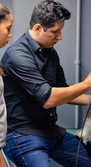 Empreendedor Rafael Faria investe em pet shop e dá aula para profissionais do segmento