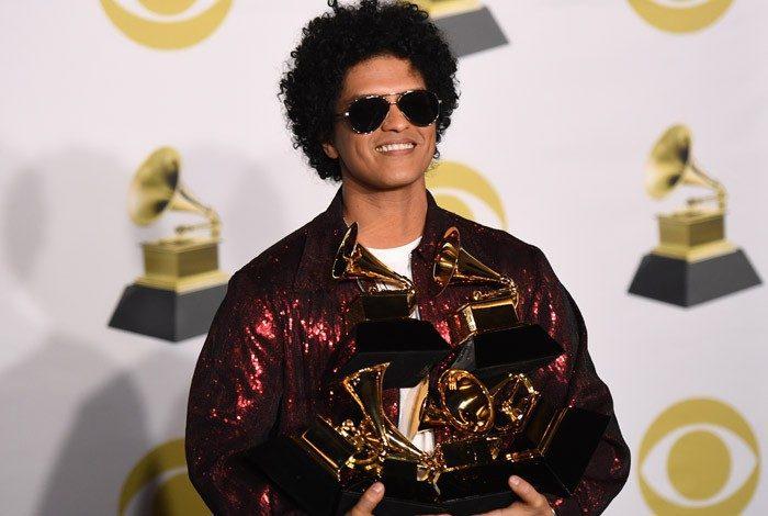 Bruno Mars levou as três principais categorias da noite: canção do ano (Thats What I Like), disco do ano (24K Magic) e melhor gravação (a faixa 24K Magic)