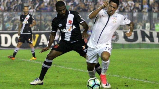 Giovanni Augusto atuou em Vasco 2 x 5 Corinthians no Brasileiro-2017