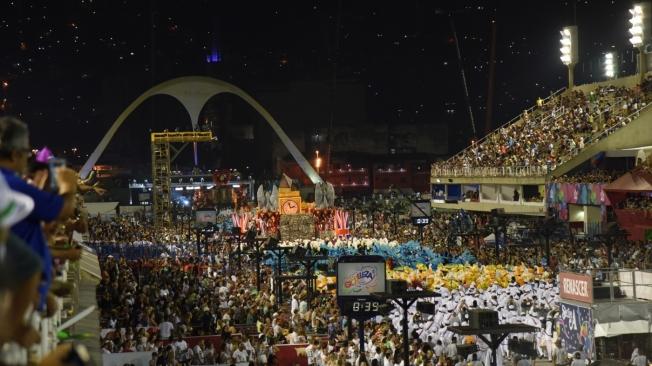 Prefeitura abre inscrições para comércio ambulante na Sapucaí durante o Carnaval