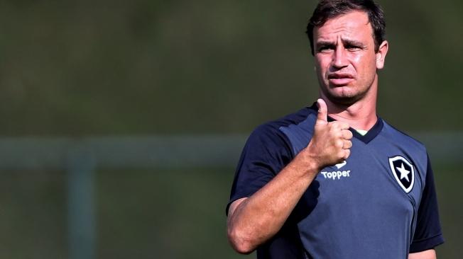 Felipe Concei��o pode ser demitido em caso de derrota para o Fla