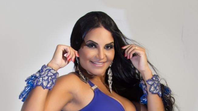 Shayene Ces�rio � musa da Acad�micos da Rocinha e quer ganhar