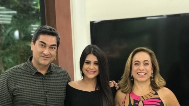 Ana Paula com Zeca Camargo e Cissa Guimar�es no 'Mais Voc�', ontem