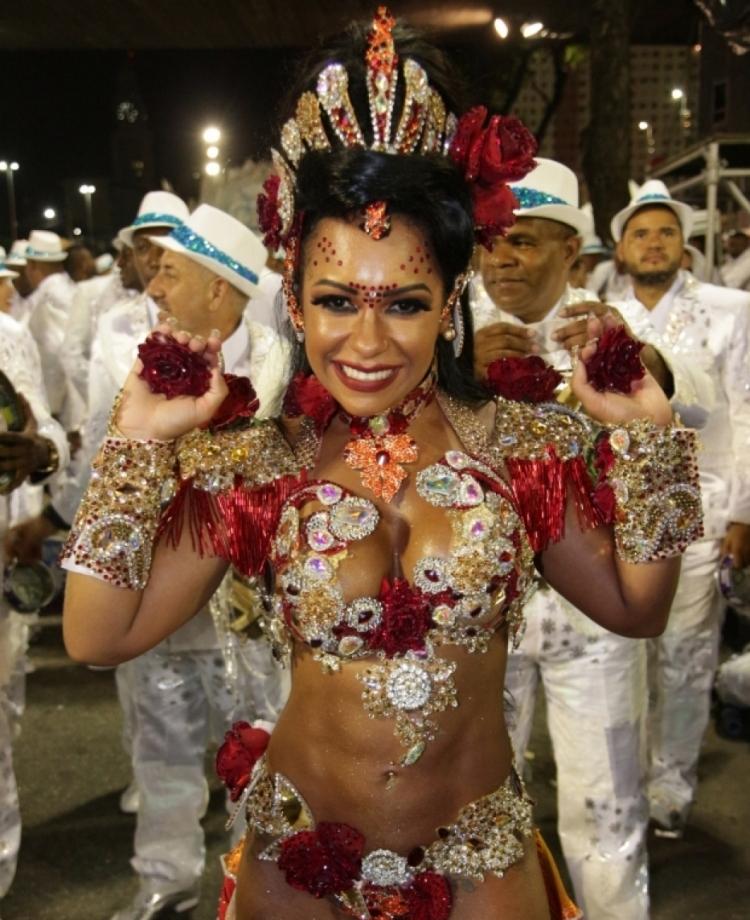 Raissa de Oliveira, Rainha da Beija-Flor