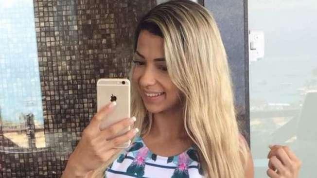 Karen Hartmann -  A GATA DA HORA - Fluminense