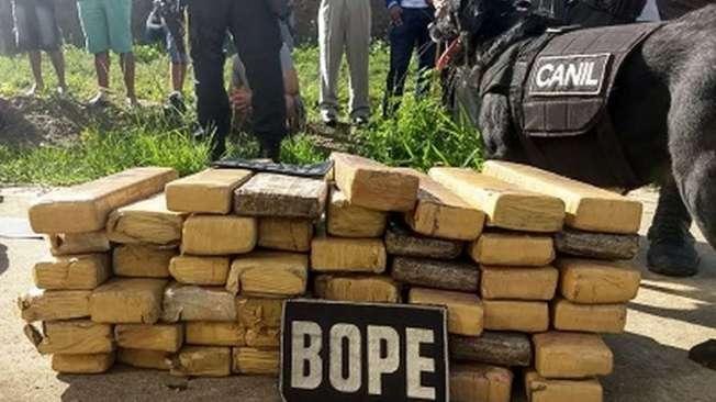 Bope encontra 48 kg de maconha dentro de malas de viagem em �nibus em Alagoas