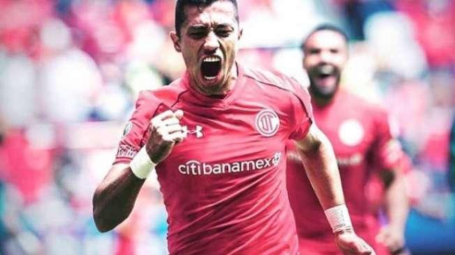 O atacante Fernando Uribe � o novo refor�o do Flamengo