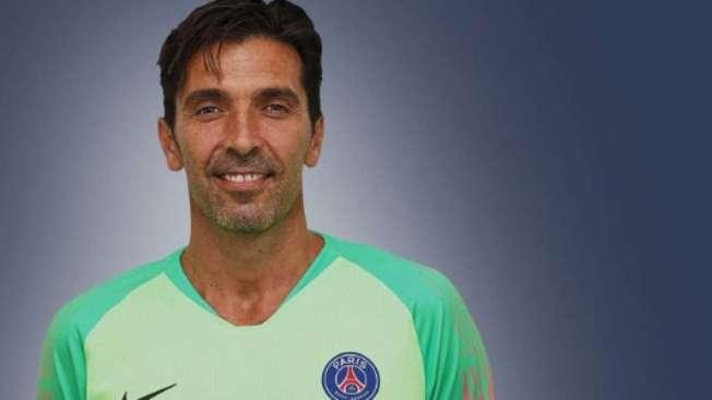 O goleiro italiano Buffon trocou a Juventus, da It�lia, pelo Paris Saint-Germain, da Fran�a