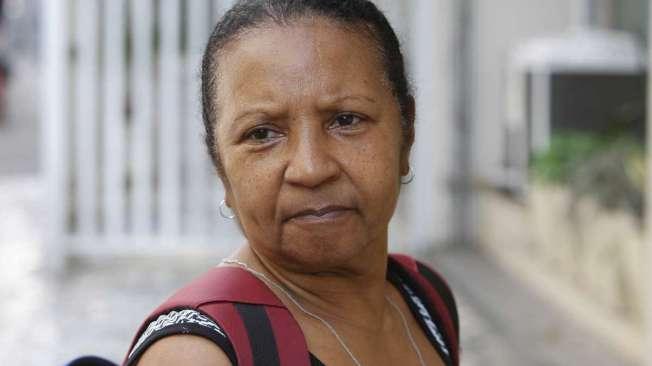 MARIA DE SOUZA, 55 anos, manicure, mora no Centro do Rio.