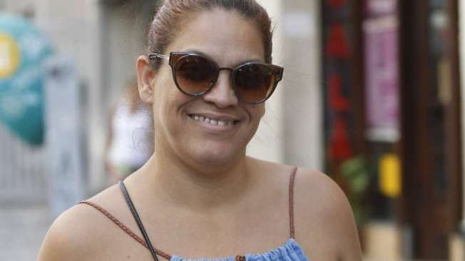 AL�NEA ADAM, 40 anos, vendedora, mora em Vila Isabel.