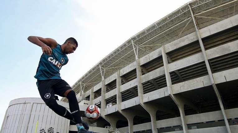 Matheus Fernandes, que cumpriu suspens�o, est� de volta ao time