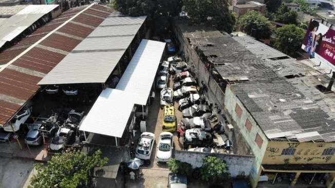 A for�a-tarefa fiscalizou ferros-velhos �s margens da Rodovia Presidente Dutra durante a opera��o