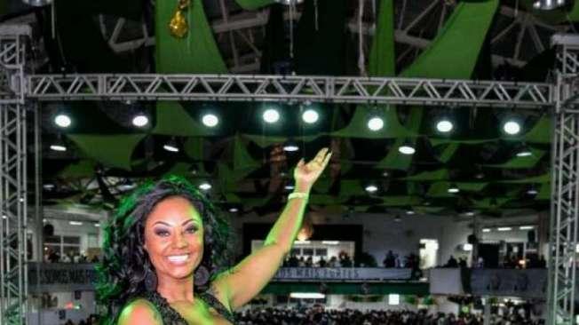 Camila Silva, a Rainha de Bateria da Mocidade