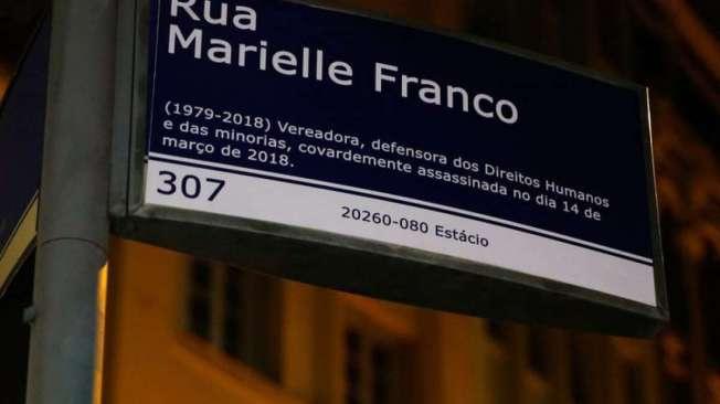 Placa em homenagem à vereadora Marielle Franco foi destruída