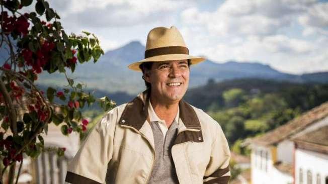 Américo (Felipe Camargo), em