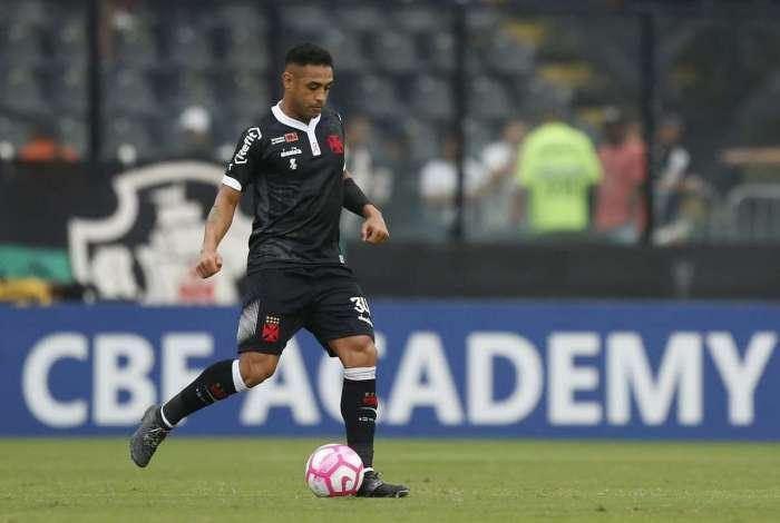 Zagueiro Werley volta aos gramados após tragédia no CT do Flamengo