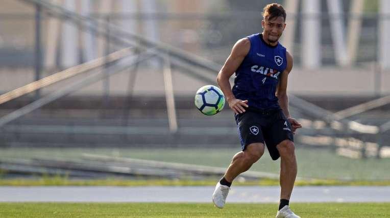 O volante Jean está pronto para reassumir a titularidade na equipe do Botafogo, amanhã, contra o Bahia
