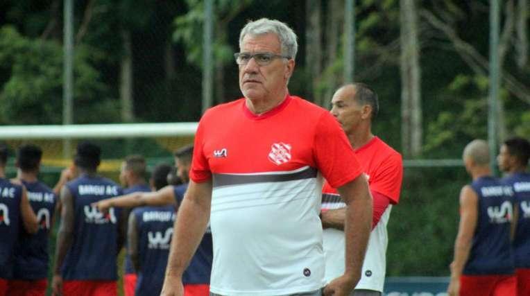 O técnico Alfredo Sampaio está em sua quarta passagem pelo Bangu
