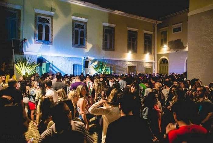 Villa Stella Artois agita Botafogo