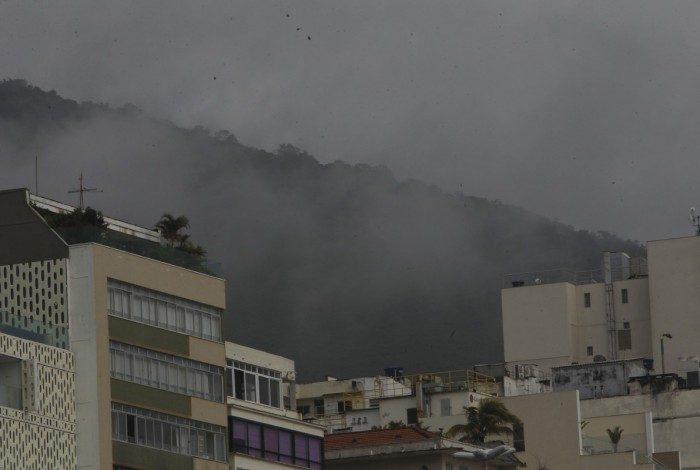 Tempo muda no Rio nesta sexta-feira, após duas semanas de fortes temperaturas