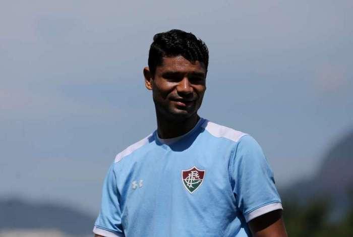 Recuperado de dores na panturrilha esquerda, Gum deve reforçar o Fluminense hoje, contra o Ceará