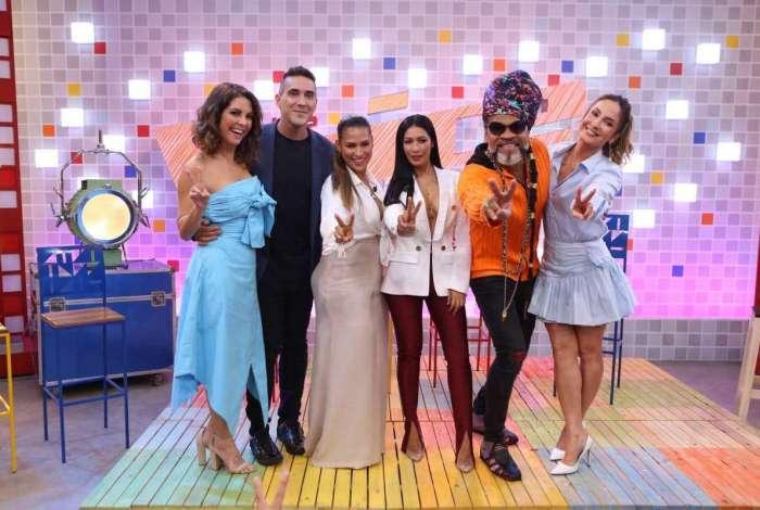 Thalita, André, Simone, Simaria, Brown e Claudia: elenco do programa
