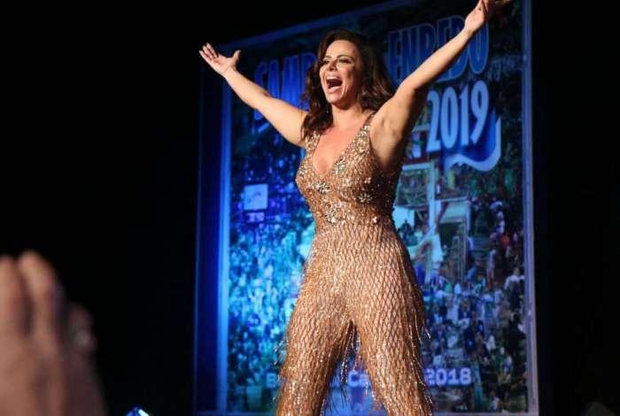 Viviane Araújo na festa de lançamento do CD das escolas de samba do carnaval 2019