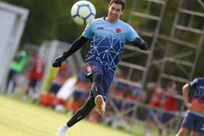 Martín Silva, de 35 anos, é cobiçado por Libertad e Cerro Porteño
