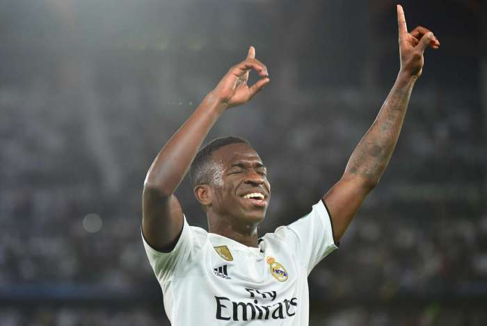 Técnico do Real Madrid exalta qualidades de Vinicius Junior
