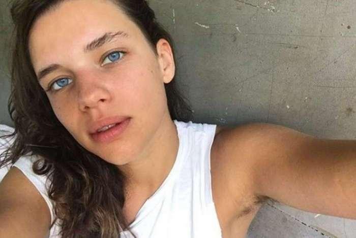 Bruna Linzmeyer fala sobre processo de libertação da depilação