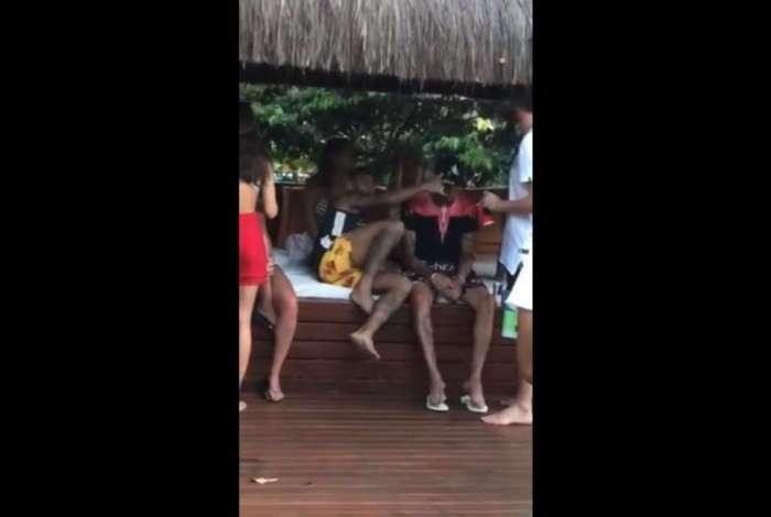 Vaza vídeo de Neymar curtindo todas. Ligou o modo Fábio Assunção?