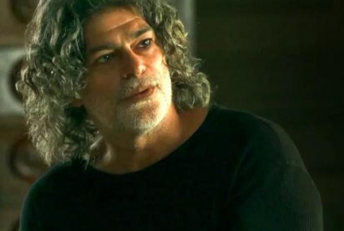 Murilo (Eduardo Moscovis), em