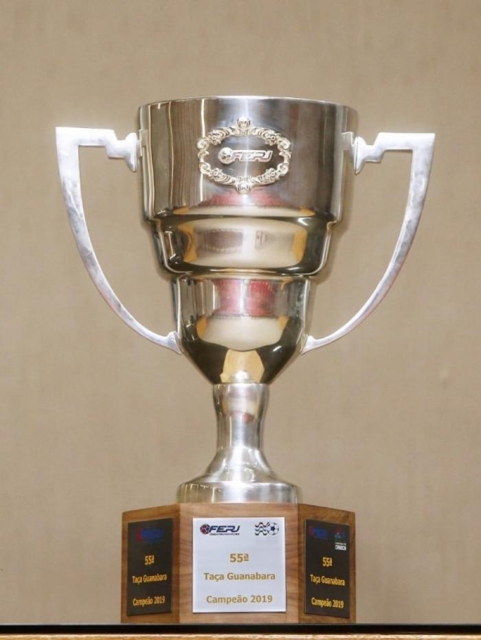 A taça que será entregue ao campeão do primeiro turno do Campeonato Carioca