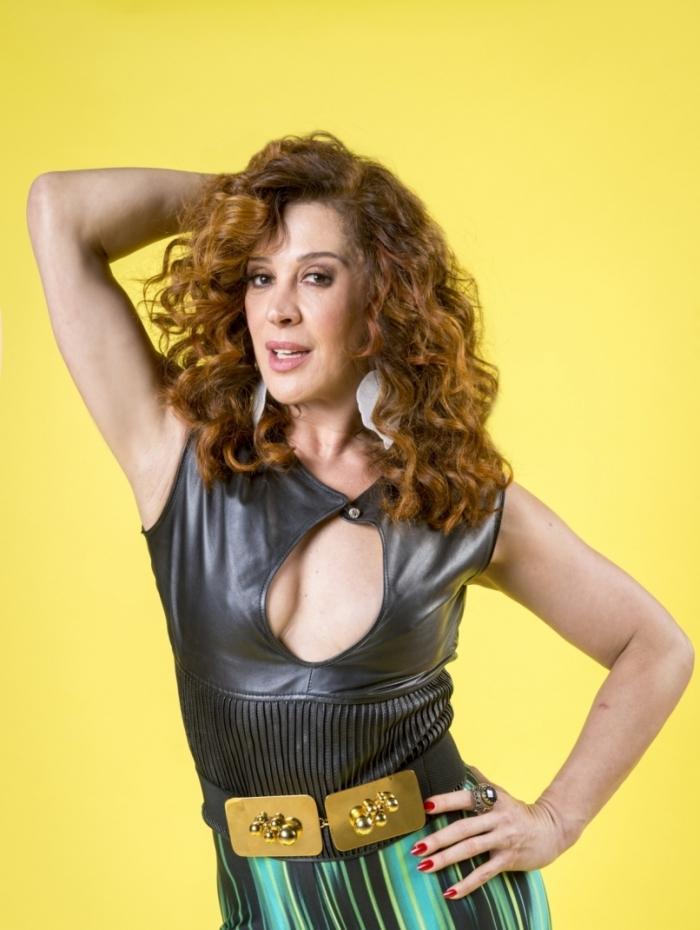 Lidiane (Claudia Raia) diz que achou Claudia Raia apagada