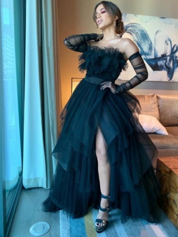 Anitta pronta para o Premio Lo Nuestro