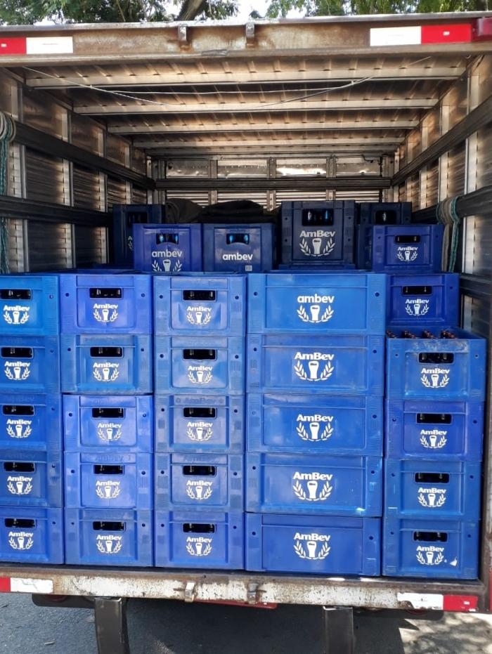 A carga de cerveja foi recuperada intacta, ontem, na comunidade Novo México
