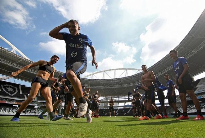 Diego Souza recebeu um 'trote' em seu primeiro treino pelo Botafogo