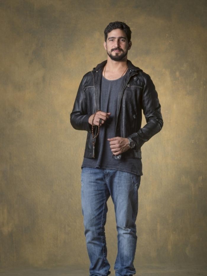 Renato Goés dá vida a Jamil