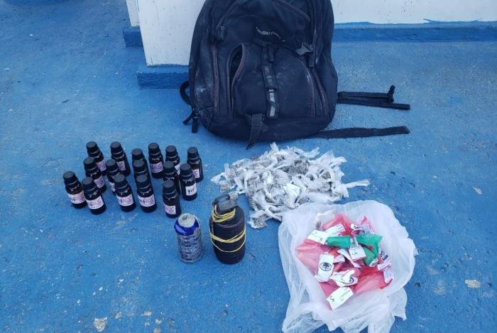 Polícia militar fez ação para retirada de barricadas e apreendeu drogas na Vila Aliança