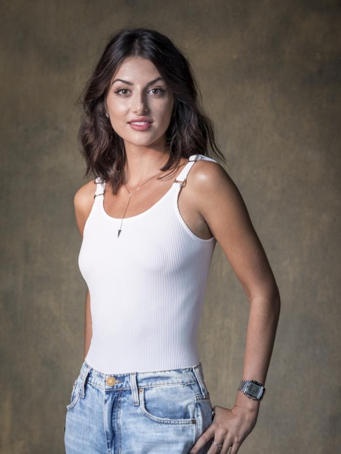 Camila Nasser (Anaju Dorigon), em 'Órfãos da Terra'