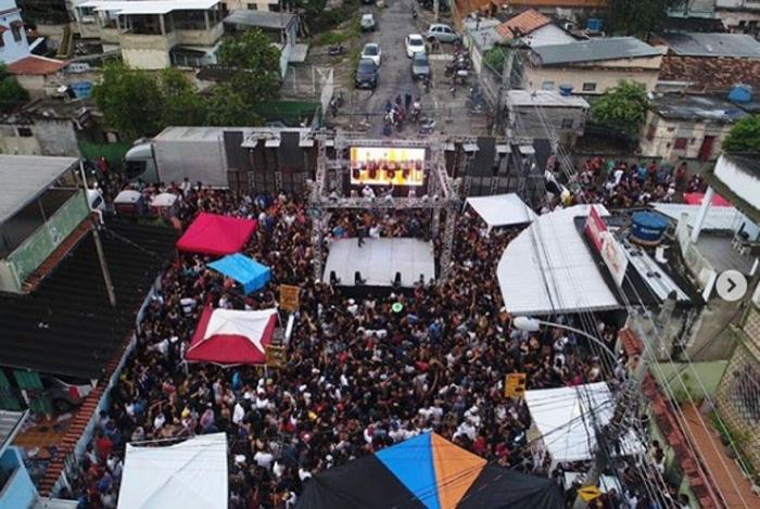 Baile da Gaiola, na Vila Cruzeiro, Zona Norte do Rio