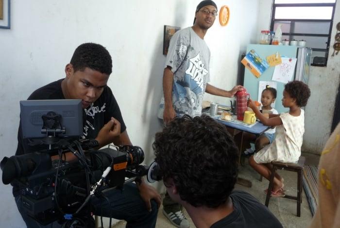 Projeto oferece aulas de cinema em comunidades do Rio