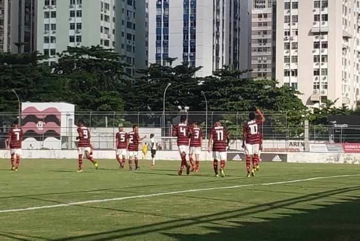 Flamengo e Corinthians pelo Brasileiro sub-17