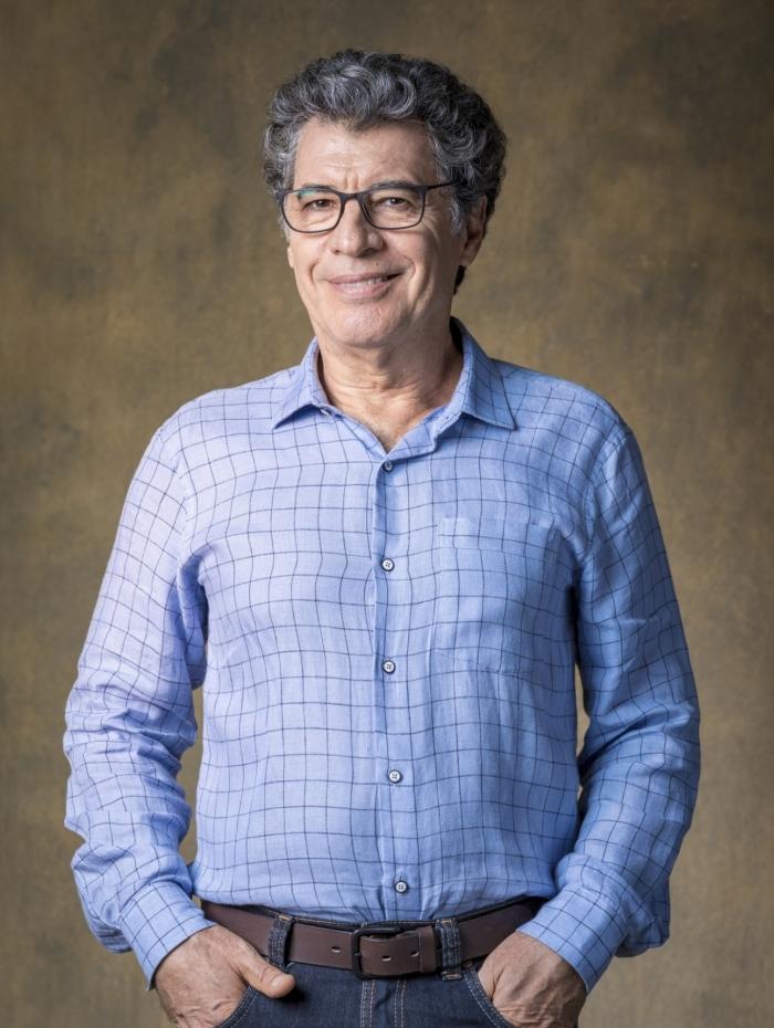 Miguel Nasser (Paulo Betti), em