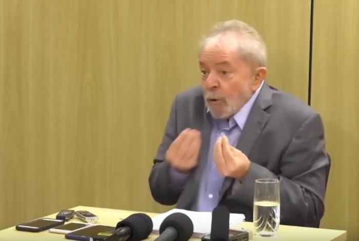 Lula cumpre pena na PF de Curitiba desde abril do ano passado