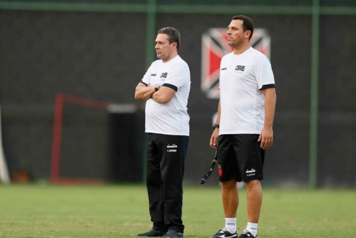 Vanderlei Luxemburgo comanda seu primeiro treino no Vasco