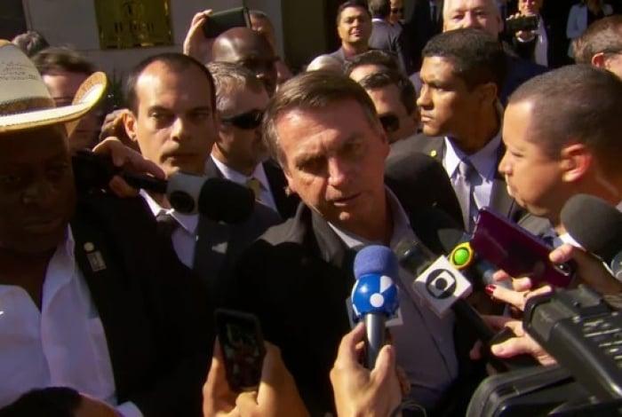 Em Dallas, Bolsonaro disse que protestos como algo 'natural' e disse que 'a maioria ali (na manifestação) é militante'