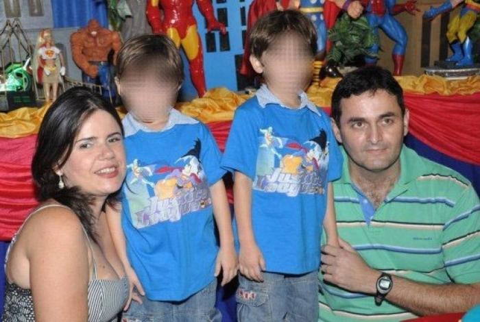 A mulher e as crianças estão em poder de André Luiz desde às 20h desta terça
