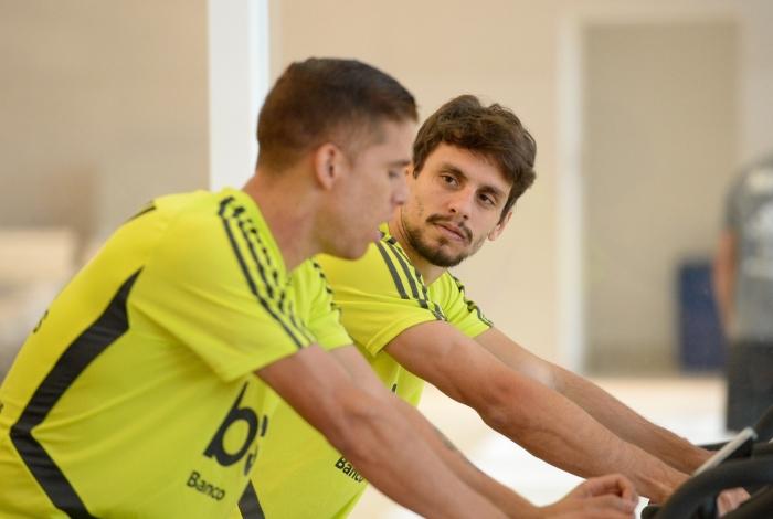 Cuéllar e Rodrigo Caio comentaram o mau desempenho do time e reconheceram que é preciso melhorar