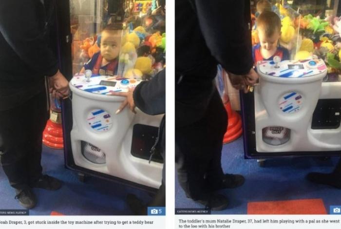 Menino fica preso em brinquedo